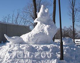 オオカミ雪像